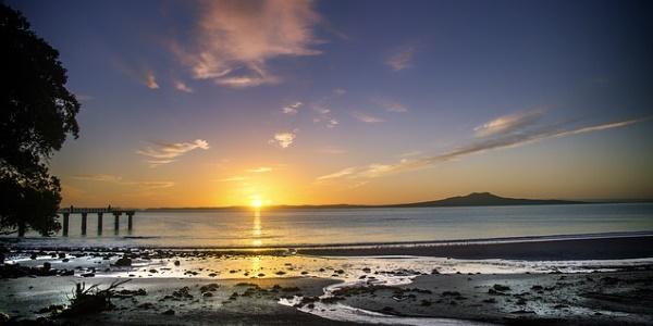 zonsopkomst-aan-de-kust-nieuw-zeeland