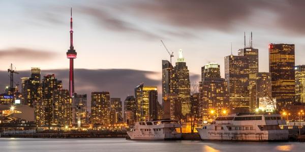 Toronto in de schemering